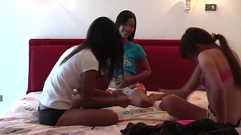 lio mee and upornxxx nueng plays strippoker part i