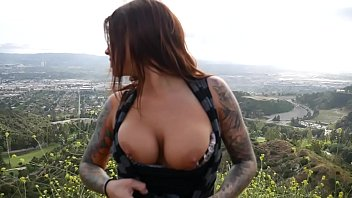 felicity feline plays x ideo com with her ass with a buttplug outdoors in los angeles