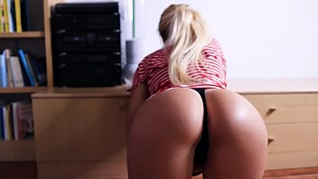 stepsister missy helps me sexto mobi with my shorts unexpected