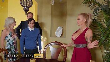 busty blonde fuckme com joslyn james joins hot threesome with kiara cole - brazzers