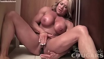 mature porn hit female bodybuilder vibes her swollen clit