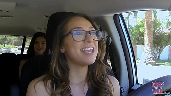 girls gone wild - young babe naught america com lia suddenly finds herself in the coed cab