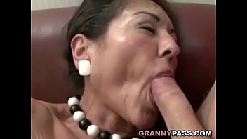 hairy granny gets xxx vides cum on her hairy pussy