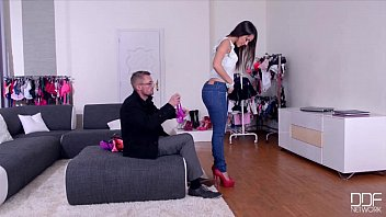 javfast ddf network - salesgirl gets her ass and pussy stuffed in store