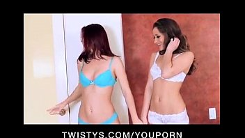 sexy www sexy videos com young busty lesbian shower have pussy party