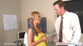 hot srx pigtailed nicole aniston suck cock in classroom
