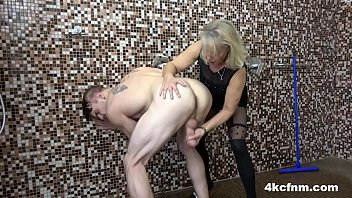 mature blonde takes them all in sex without cloth one shot