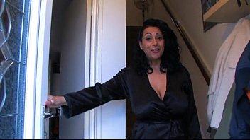 spying on auntie danica sxxe - justdanica.com