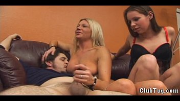 xvidoes hd two on one handjob at home