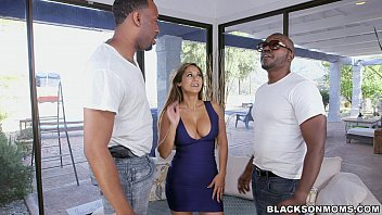 sex amerika video black workers double team this mom