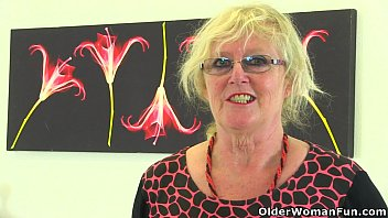 www sex video play com british gilf claire knight feels like a good stuffing
