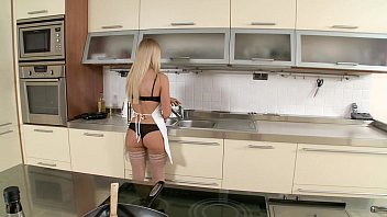 sany leon xxx com offical steak and blowjob day