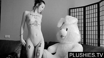 black goth girls agrees to suck and fuck with teddy bear at casting kneecoleslaw nude jizz in mouth