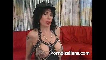 italian milf fucked two man - milf dani daniels nude italian scopata da due maschi - italy porn