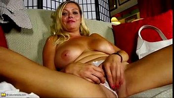 sex vidio sweet american milf with hungry pussy hd porn 2f