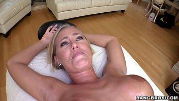 xxporn com nicole aniston gets a proper massage