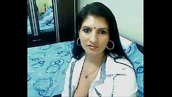 hot and horny high class bhabhi home www largehdtube com alone chatting on webcam