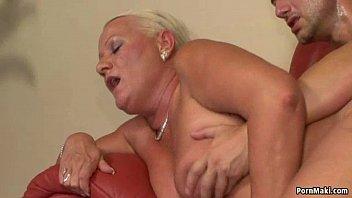 xxxxxsex busty granny anal