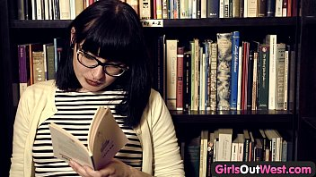 girls out west xxxxbp - hairy lesbian girls in book store