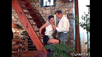 la femme de menage francaise se fait pussy gif drop ramoner le cul et prend sa dose de fruits