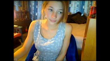 girls sucking penises 255-alice-fille-blonde-nue-18-ans-masturbation-webcam