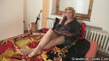 two delivery men fuck lonely ante romans mature woman