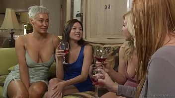 photo xxx girl lesbian step sisters have feelings - girlfriends films