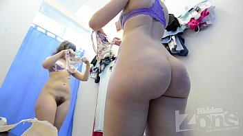 fitness girl nude changing spy