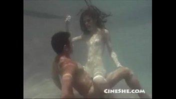 sex underwater www xxxxxxx - ann kell