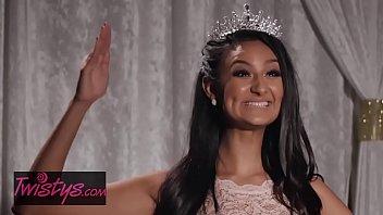 mom knows best - eliza ibarra reagan foxx - teen dream pageant queen ladies sex massage - twistys
